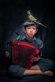 Mariusz Kalinowski - Boy with bird